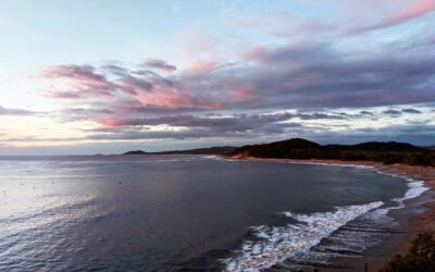 Playa Popoyo popular por sus olas para el surf